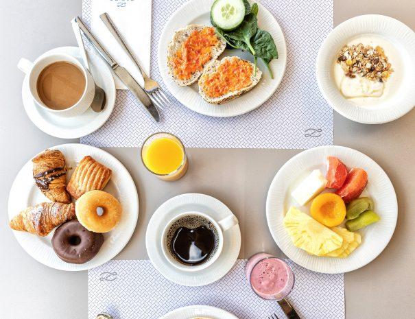 Zafiro hotel breakfast