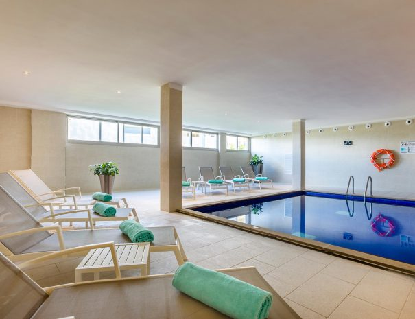 Zafiro hotel pool