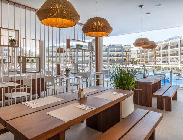 Zafiro hotel restaurant